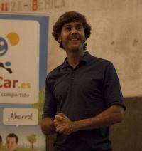 foto luis ouisharemad1 Reunimos a los visionarios que van a cambiar el mundo en el OuiShare Drinks Madrid