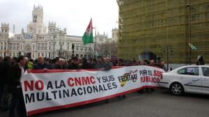 Protesta-taxistas-Madrid-CNMC-febrero_EDIIMA20160218_0352_18